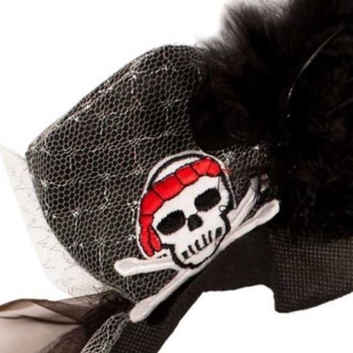 tiara-piraat-zwart-veren-kant-doodshoofd-inzoom