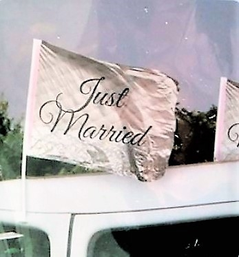 Just Married vlag op auto
