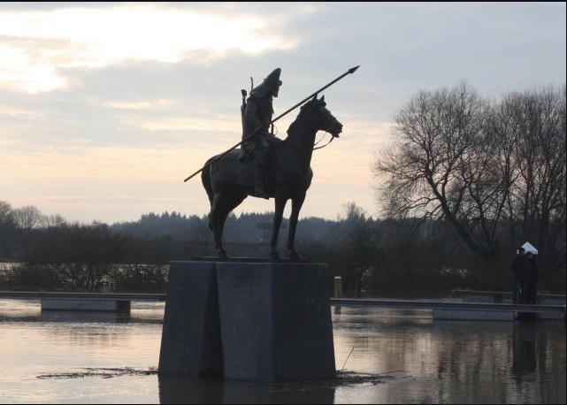 Het standbeeld ter ere van de Basjkieren bij Veessen