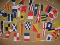 Pavoiseerlijn met seinvlag A-Z en seinwimpel 0-9 alle 40 stuks
