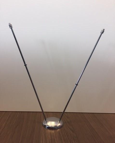 Chromen tafelstandaard duo met bolle voet