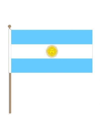 Zwaaivlag Argentinië   Argentijnse zwaaivlaggen 30x45cm stoklengte 60cm.
