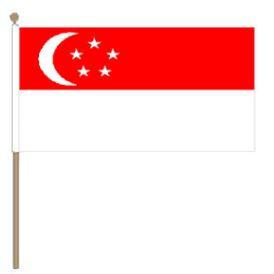 Zwaaivlag Singapore 30x45cm, stoklengte 60cm