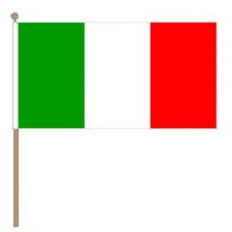 Italiaans zwaaivlaggetje 15x22,5cm Italië