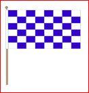 Zwaaivlag blauw wit geblokt 45x70cm met stok van 75cm