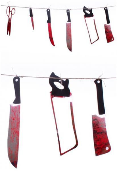 Halloween vlaggenlijn met messen, scharen en zaag voor holloween
