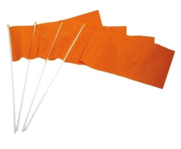 oranje zwaaivlag in PE kwaliteit in formaat 20x30