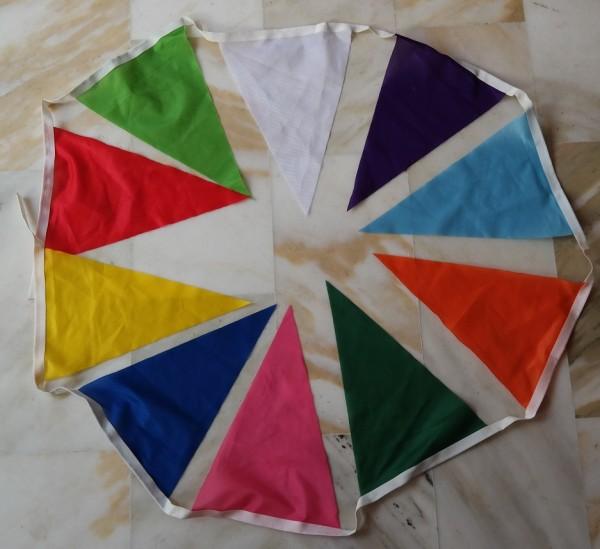 Vlaggenlijn XXL van wimpels 35x50cm in vele kleurcombinaties mogelijk